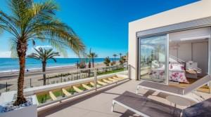 Unikátní apartmány a řadové domky u pláže Playa Paraiso